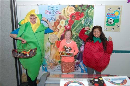 Eat a rainbow of fruit and veggie school